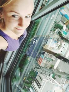 Bangkoka pie kājām... 26.stāvus zemāk