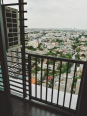 Balkons, uz kura bail kāpt