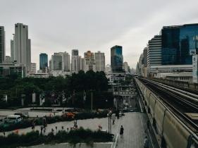 Atpakaļ pilsētā